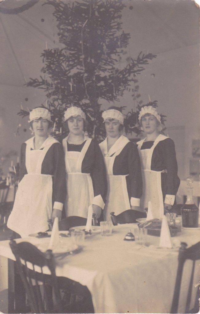 1910 Edwardian Christmas