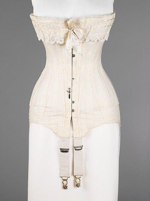 1915-1917 corset at the Met
